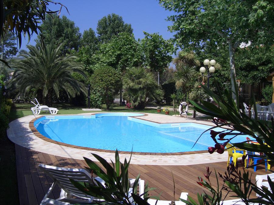Hotel avila giulianova vivi l 39 abruzzo for Piantina della piscina
