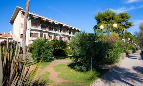 graziosi_appartamenti_di_fronte_spiaggia_1