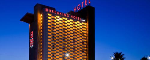 hotel-breaking-01
