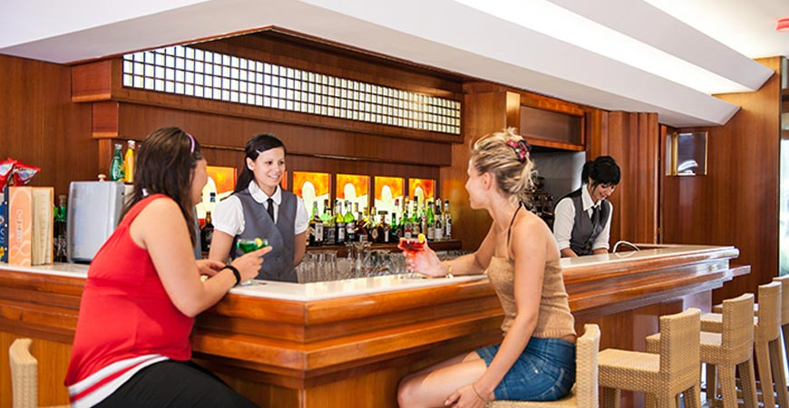 hotel-paradiso-bar