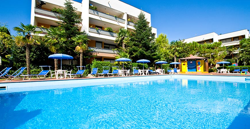 hotel-paradiso-piscina2