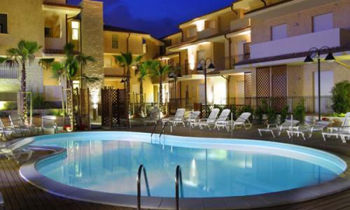 residence-ampia-piscina