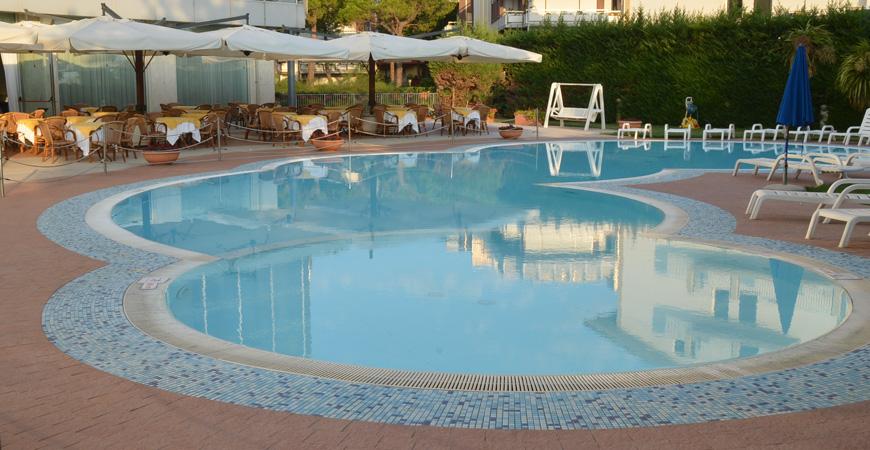 hermitage-piscina