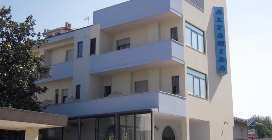 Hotel altamira roseto degli abruzzi vivi l 39 abruzzo - Hotel giardino roseto degli abruzzi ...