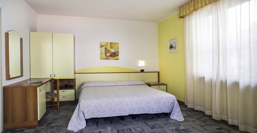 hotel-ester-safer-13
