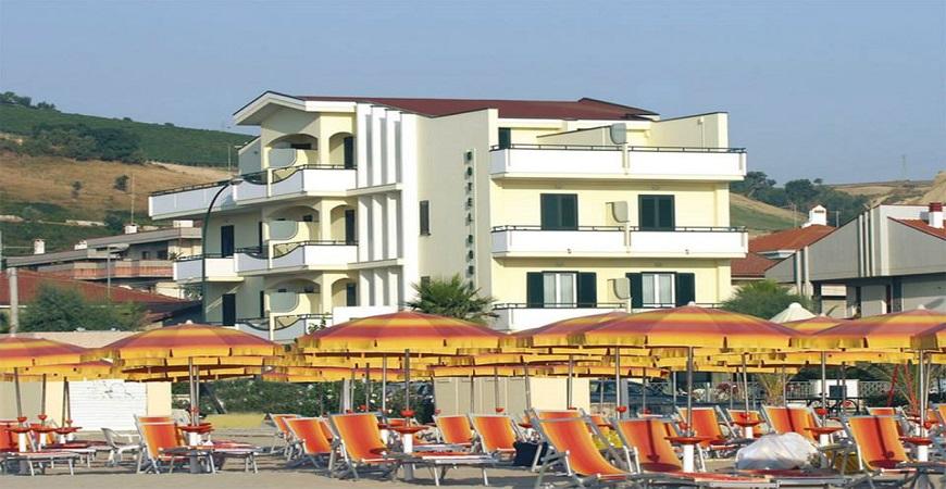 Hotel roma roseto degli abruzzi vivi l 39 abruzzo - Hotel giardino roseto degli abruzzi ...