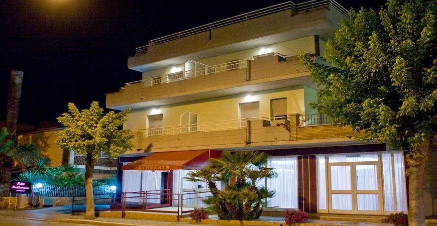 esterno-hotel-mediterraneo