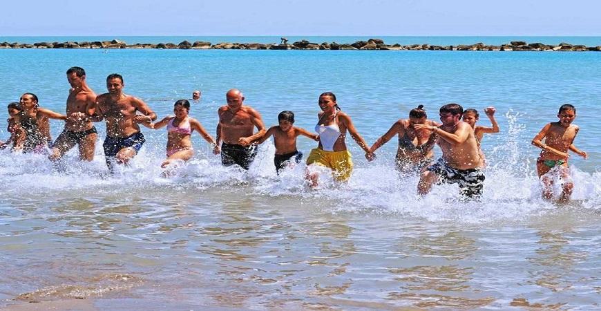 spiaggia-hotel-maxims