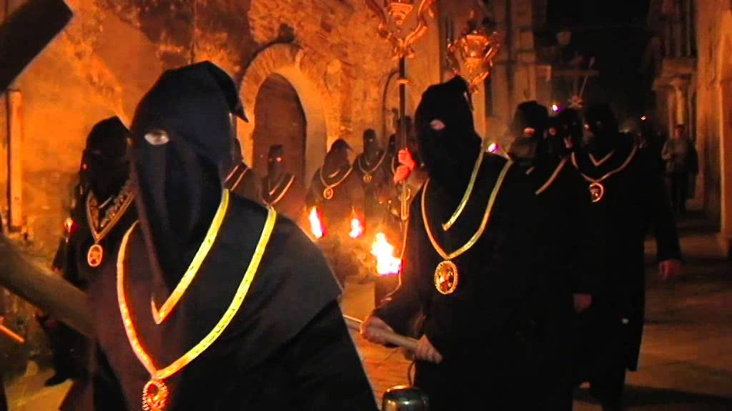 Processione Incappucciati