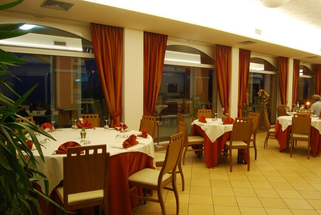 Italia Bagno Srl Colonnella.Hotel Wellness Villa Susanna Degli Ulivi Colonnella Vivi L Abruzzo